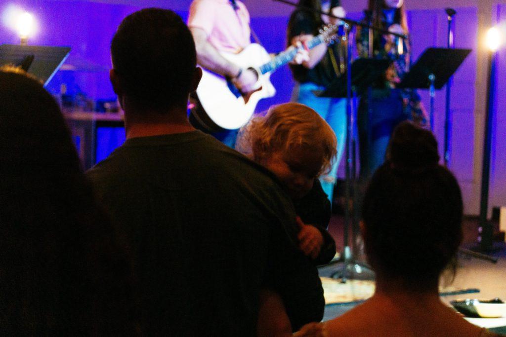 baby-during-worship